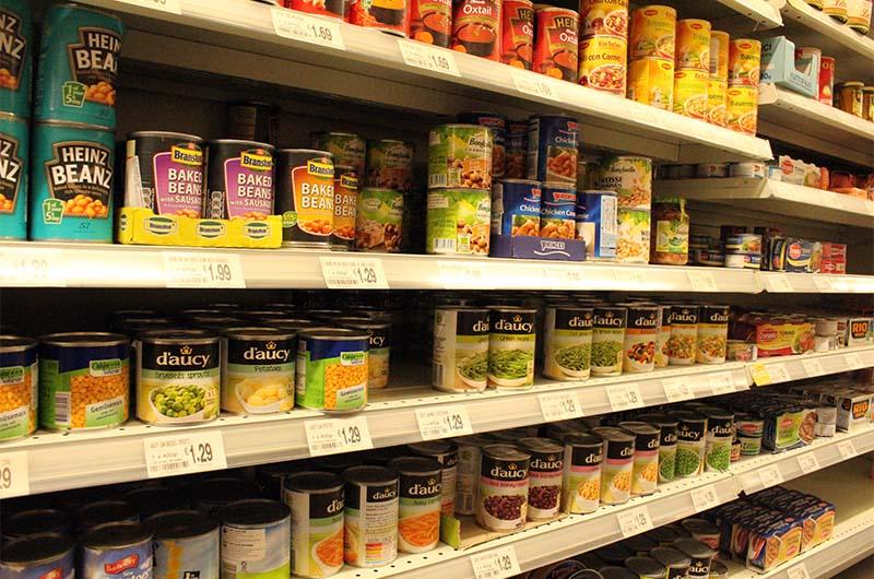 Продукты в супермаркете в Айя-Напе.