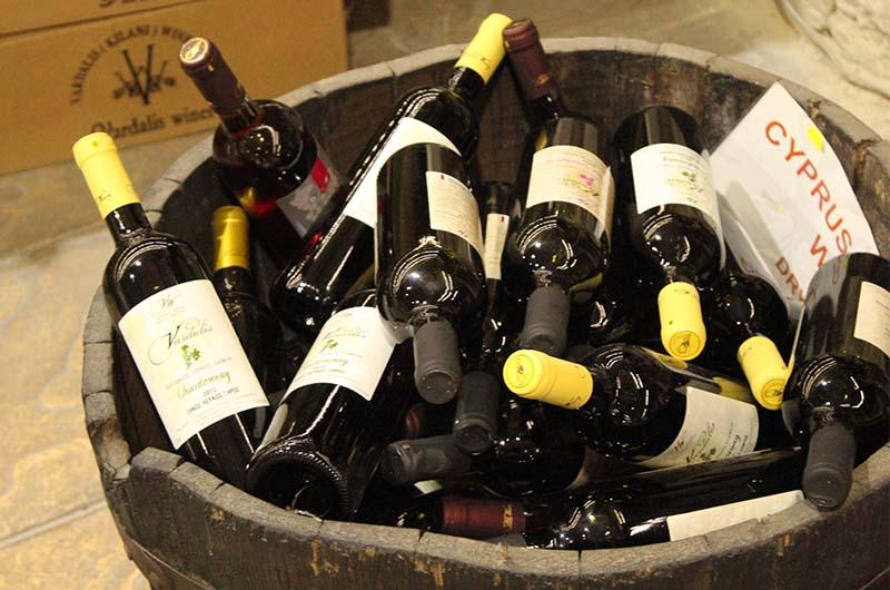 Вино по сниженной цене продается отдельно.